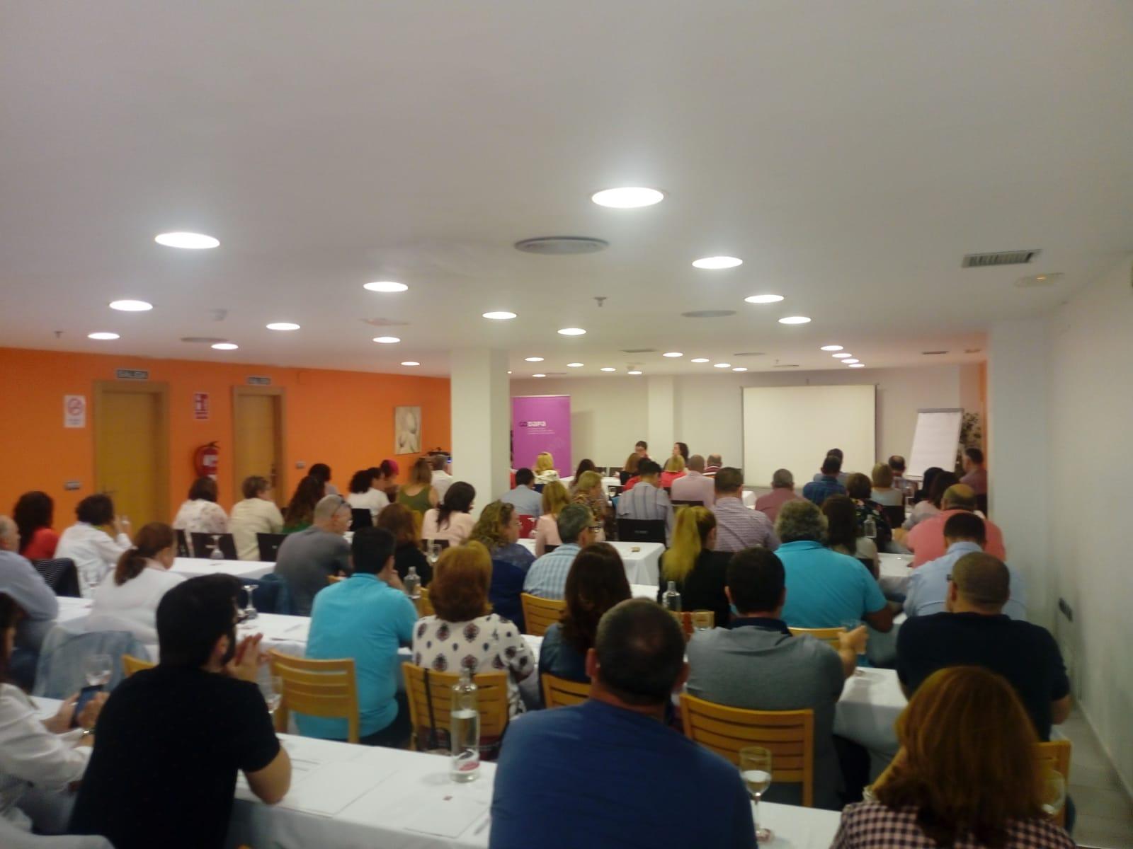 """El Hotel Bahía de Almuñécar acoge una jornada sobre la """"Participación de las Familias en Centros Educativos"""""""